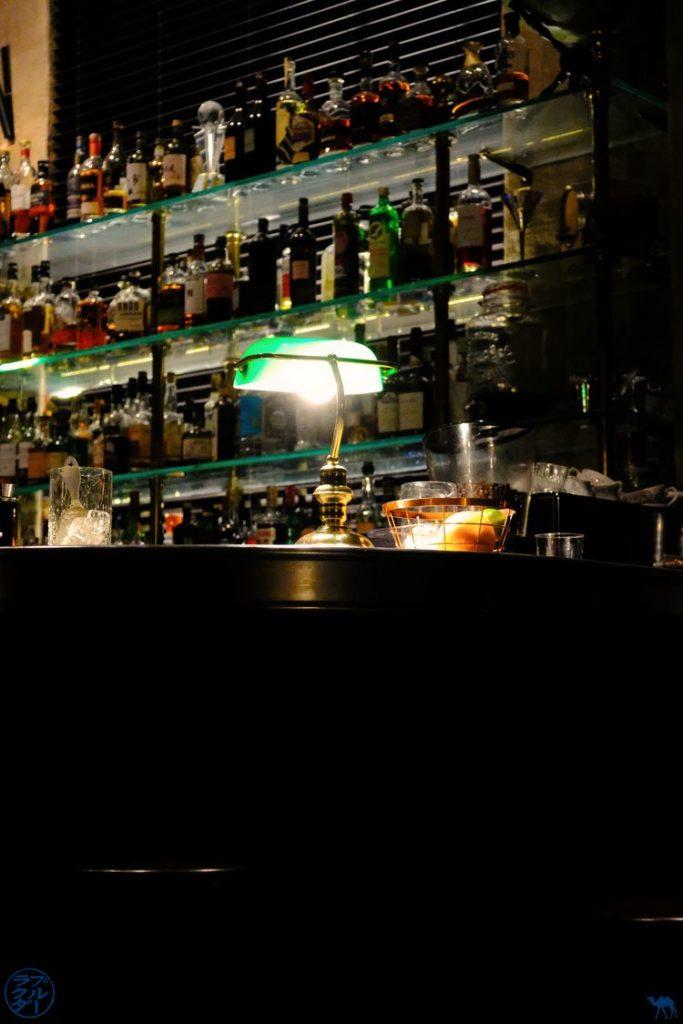 Le Chameau Bleu - Blog Voyage Gand Belgique - Décor de The Cobbler Bar