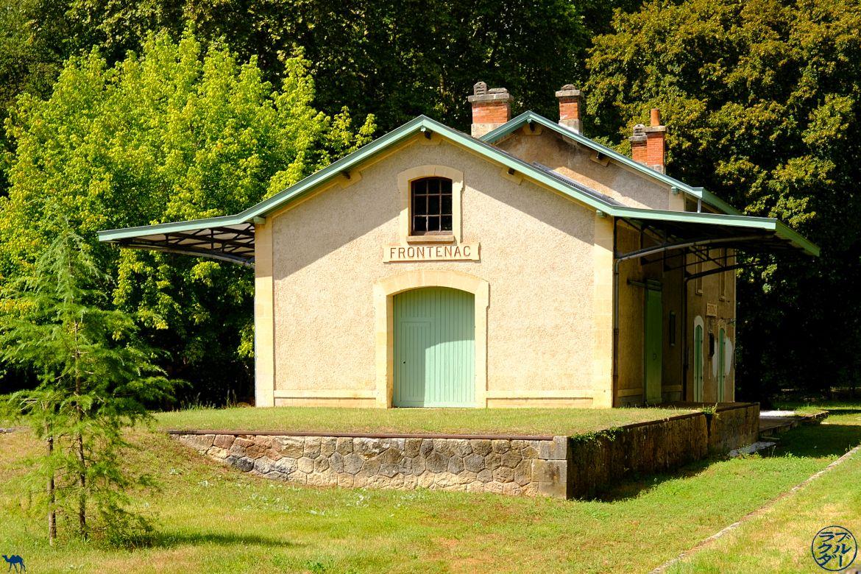 Le Chameau Bleu - Blog Voyage en Gironde à vélo - Ancienne gare de Frontenac