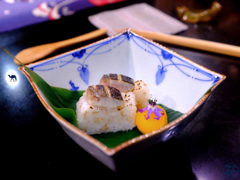 Le Chameau Bleu - Blog Gastronomie et Voyage - Sushi Maquereau du restaurant gastronomique Guilo Guilo Montmartre