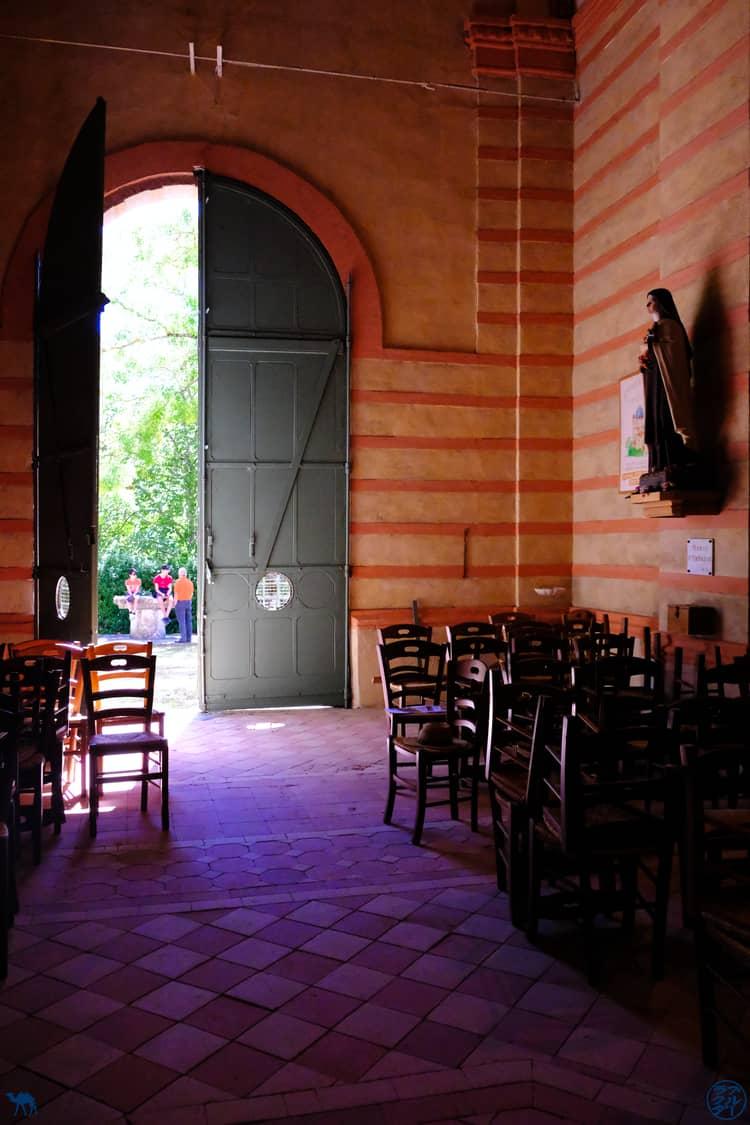 Le Chameau Bleu - Blog Voyage et Cuisine - Intérieur de l'Eglise de Lapeyrouse - Tarn et Garonne