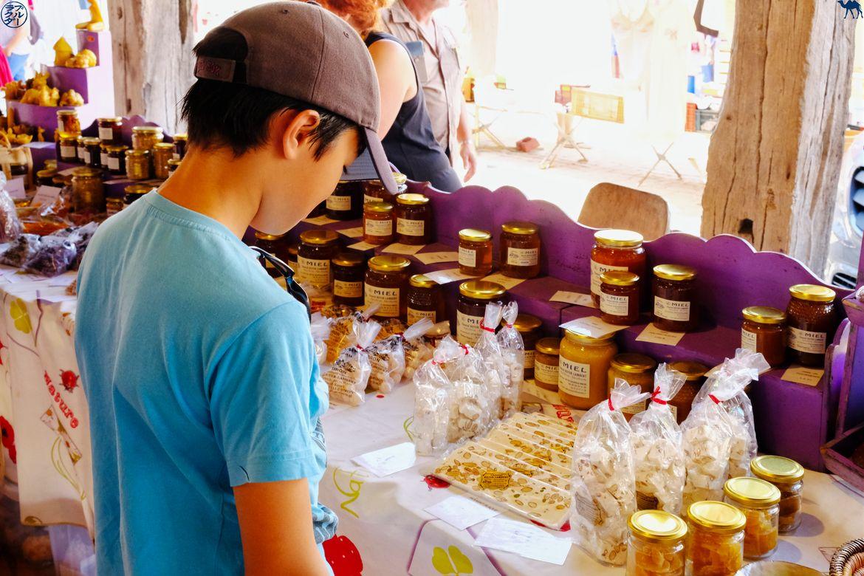 Le Chameau Bleu - Blog Voyage Lot Et Garonne Gourmand - Miel au marché