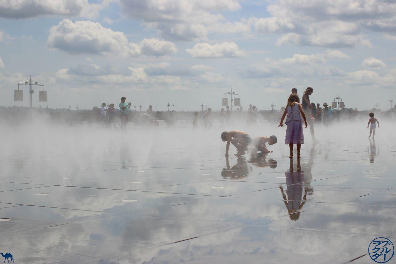 Le Chameau Bleu - Blog Voyage Canal des deux mers à Velo - Miroir d'eau de Bordeaux