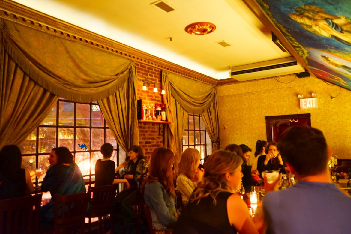Salle de l'Angel's Share - Le Chameau Bleu Bar à Cocktail New York