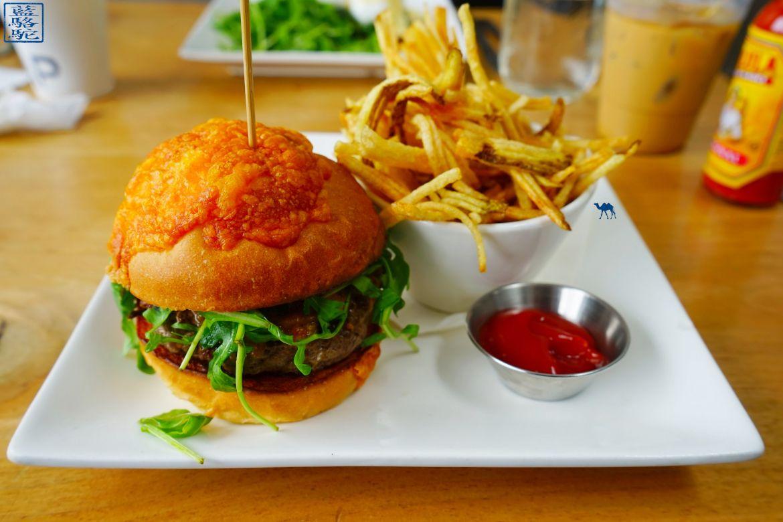 Le Chameau Bleu - Blog Voyage New York City Street Art Bushwick - AP Cafe - Burger - Restaurant Brooklyn