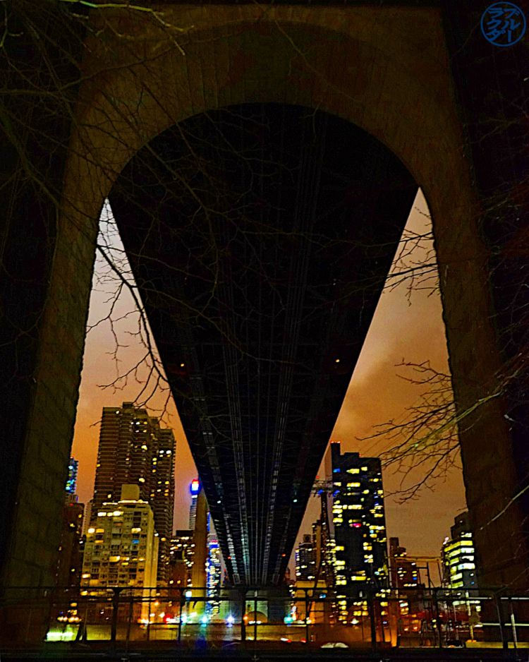 Le Chameau Bleu - Blog Voyage New York City - Sous le pont de Queens Boro