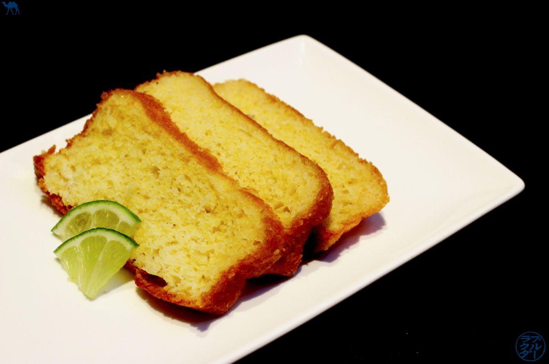 Le Chameau Bleu -Blog Cuisine et Voyage - RECETTE CAKE Citron vert - Coco - LIQUEUR DE YUZU