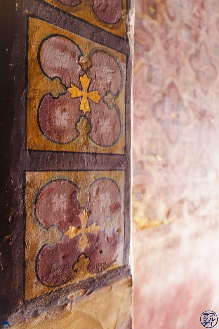 Il cammello Blue - Blog By Bike The Canal of the 2 Seas - Pittura Chiesa di San Porquier Tarn e Garonna