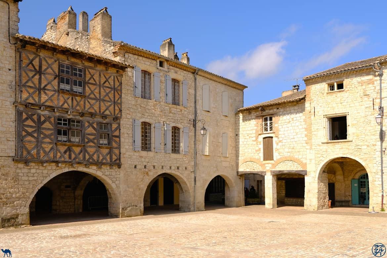 Le Chameau Bleu - Blog Voyage et Cuisine - Place de Lauzerte - Quercy - Tarn Et Garonne