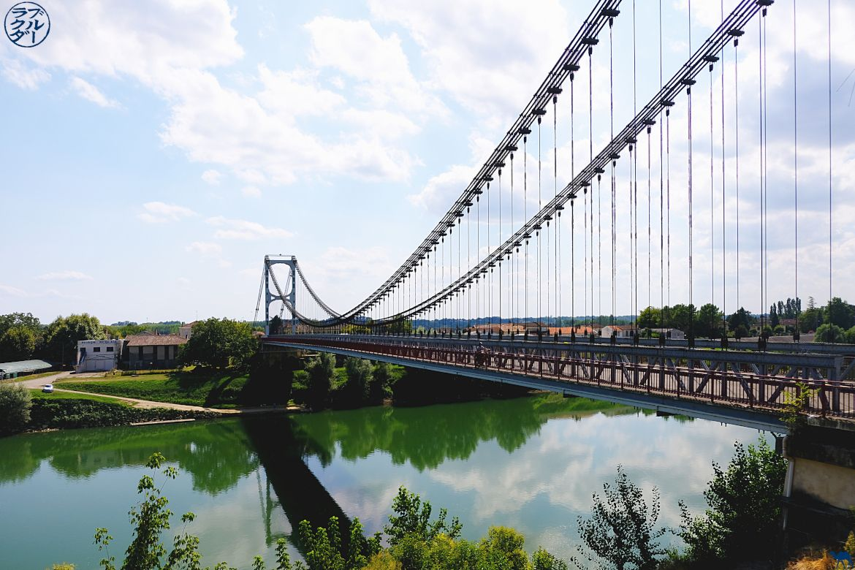 Le Chameau Bleu - Blog Voyage en Gironde à vélo - Pont de la Réole