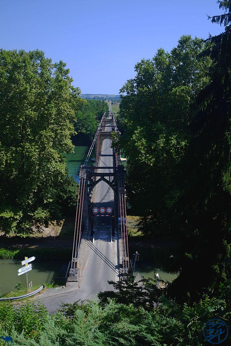Le Chameau Bleu - Blog Voyage à Vélo Canal de l'entre deux mers - Pont du mas d'agenais - Lot et Garonne - France