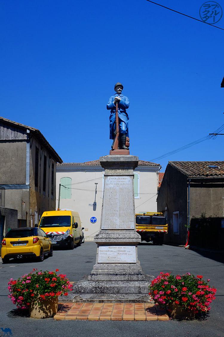 Le Chameau Bleu - Blog Voyage à Vélo Canal de l'Entre Deux Mers - Puch d'agenais - Village du Lot et Garonne