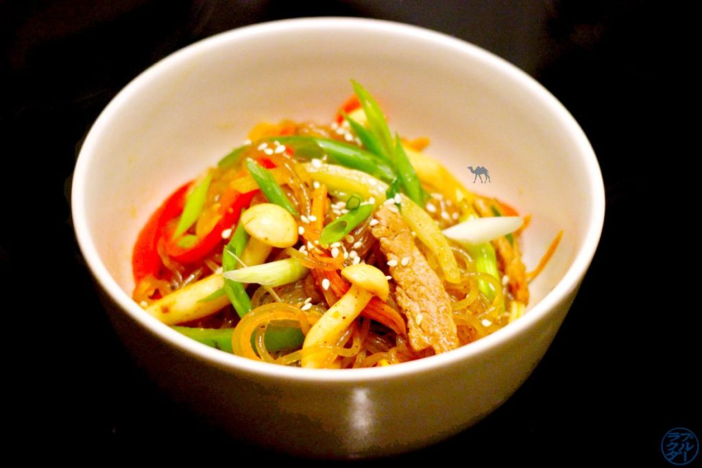 Le Chameau Bleu - Blog Cuisine et Voyage - Recette coréenne du Japchae - Vermicelles sautées à la coréenne