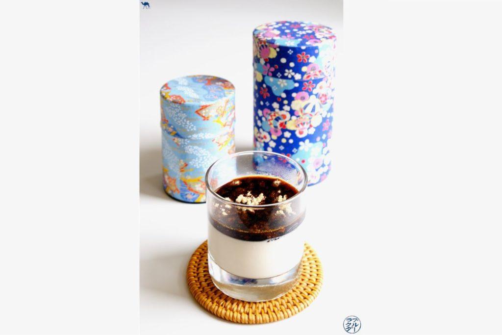 Le Chameau Bleu - Blog Gastronomie - Recette de Panna Cotta japonaise au sirop de Kuro Sato et Kinako