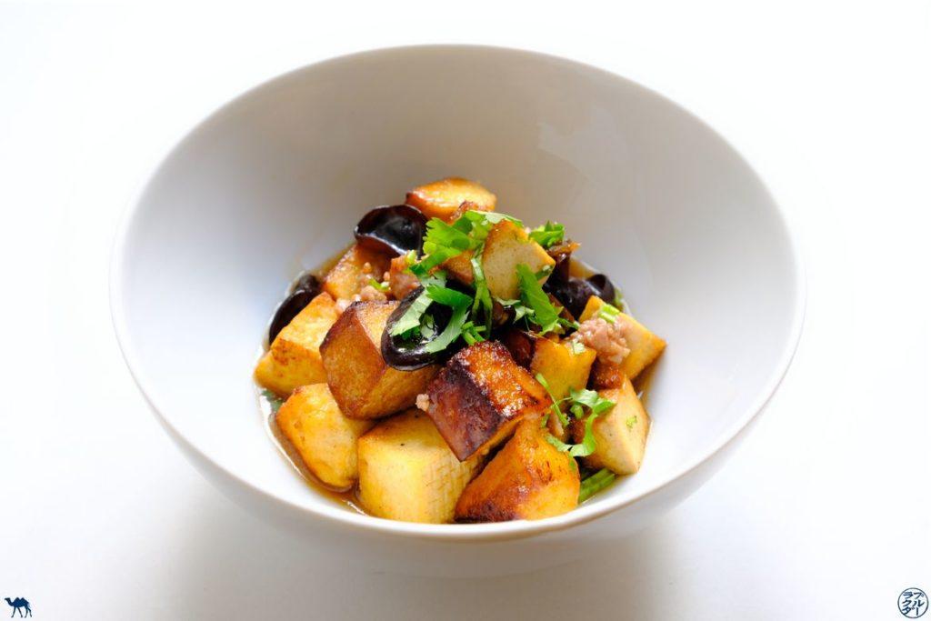Le Chameau Bleu - Blog Cuisine - Recette de Tofu Sauté Porc Haché et Champignon Noir
