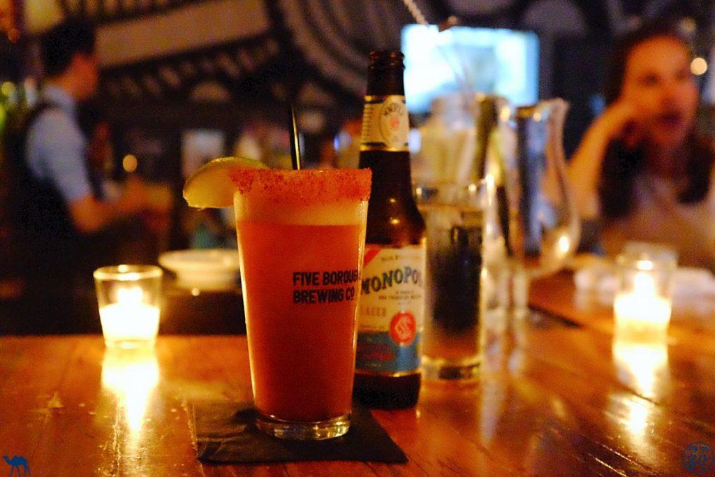 Le Chameau Bleu - Blog Voyage New York - Restaurant Mexicain La Contenta - Michelada