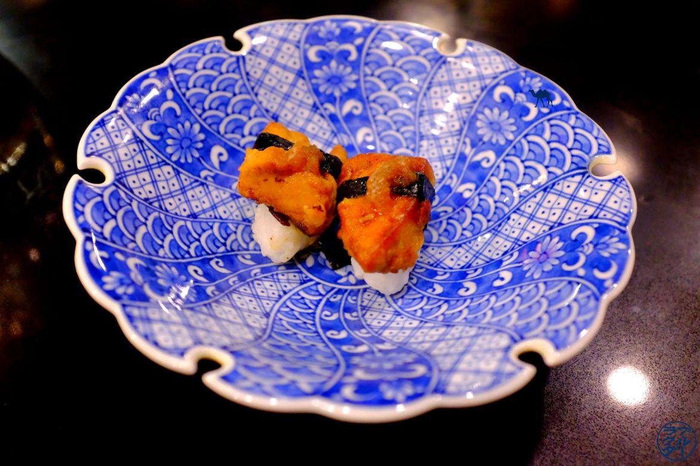 Le Chameau Bleu - Blog Gastronomie et Voyage - Sushi Foie Gras du restaurant gastronomique Guilo Guilo Montmartre