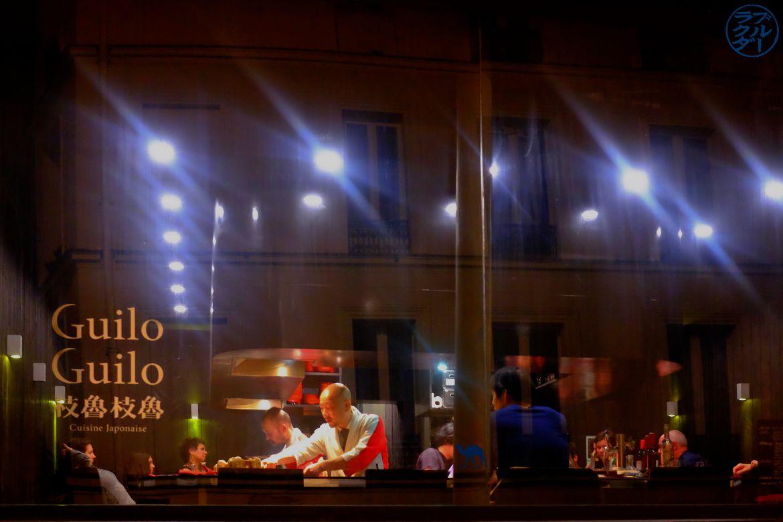 Le Chameau Bleu - Blog Gastronomie et Voyage -Devanture du restaurant Guilo Guilo à Paris