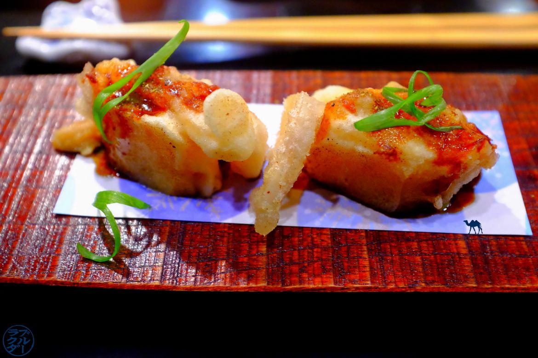 Le Chameau Bleu - Blog Gastronomie et Voyage - Tempura de foie gras du restaurant gastronomique Guilo Guilo Montmartre