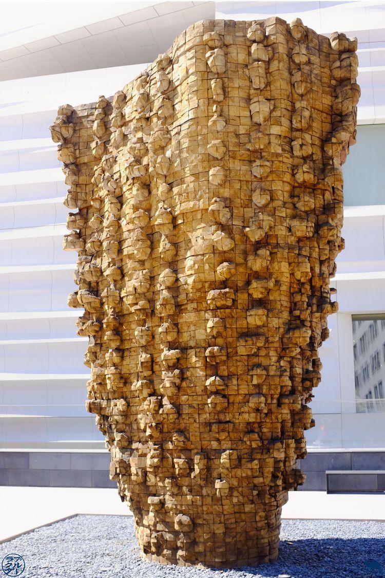 Le Chameau Bleu - Blog Voyage Musée d'art moderne de San Francisco - Sculpture en terrasse