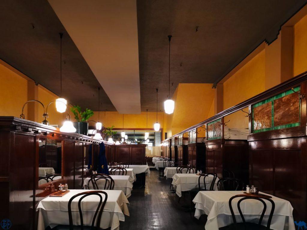 Le Chameau Bleu - Blog Voyage à San Francisco - Salle du Restaurant Tadich Grill