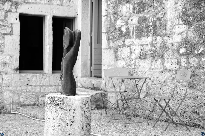 Le Chameau Bleu - Blog Voyage et Gastronomie - Sculpture de Lauzerte - Quercy Tarn Et Garonne