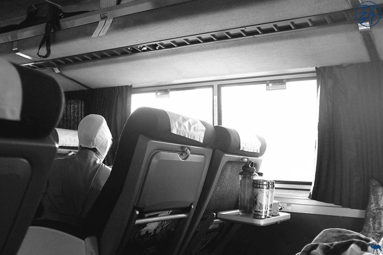 Le Chameau Bleu - Blog Voyage Southwest Chief train - une amish prenant le train entre Chicago et Los Angeles
