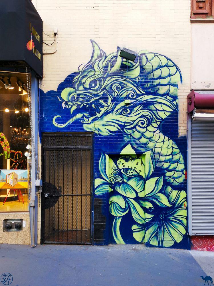 Le Chameau Bleu - Blog Voyage San Francisco - StreetArt Dragon à Chinatown de San Francisco