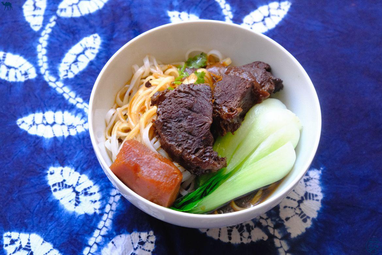 Le Chameau Bleu - Blog Cuisine et Voyage - Soupe taïwanaise de Nouilles au boeuf