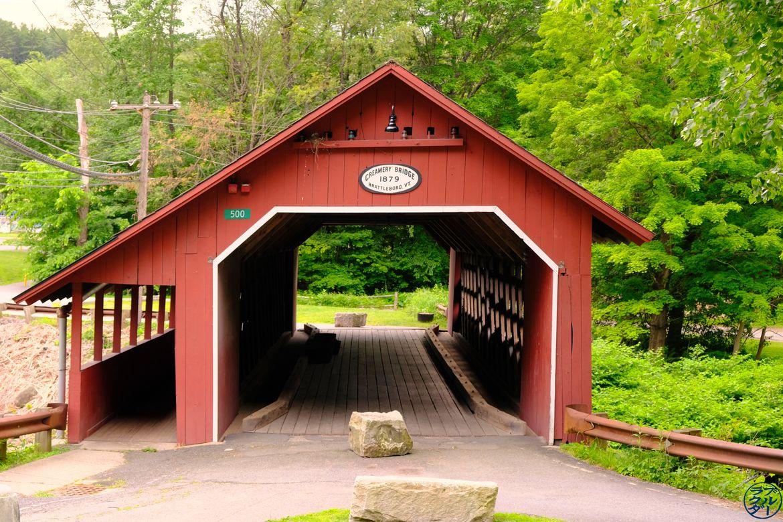 Le Chameau Bleu - Blog Voyage Vermont Usa- Creamery Bridge Brattleboro