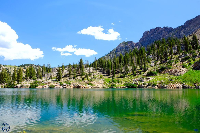Le Chameau Bleu - Blog Voyage Utah USa - Les eaux émeraudes de Cecret Lake