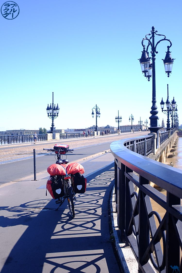 The Blue Camel - Blog Travel Bike El canal de los 2 mares - Ciclismo y Pierre de Bordeaux Gironde