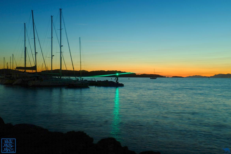 Le Chameau Bleu - Blog Voyage France Var Brusc - Couche de Soleil sur le Port du Brusc - Var