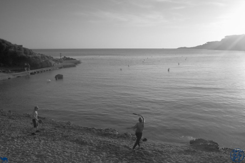 Le Chameau Bleu - Blog Voyage Méditerranée - Sanary - La plage de Portissol