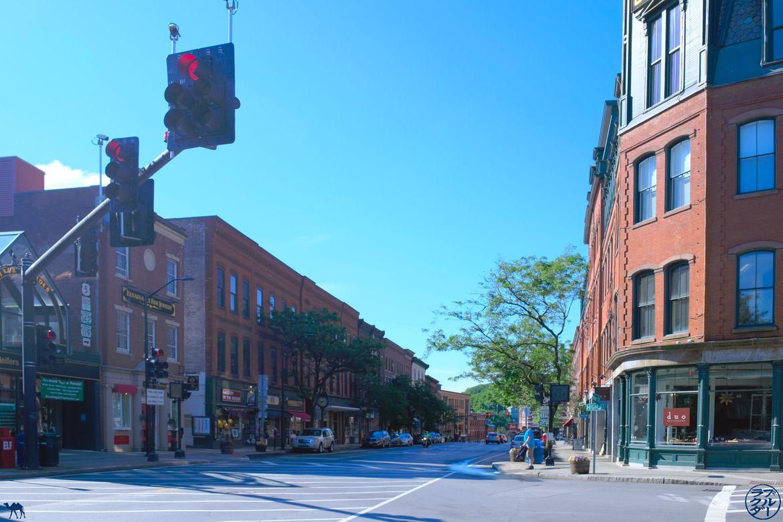 Le Chameau Bleu - Blog Voyage Vermont- centre Ville Brattleboro