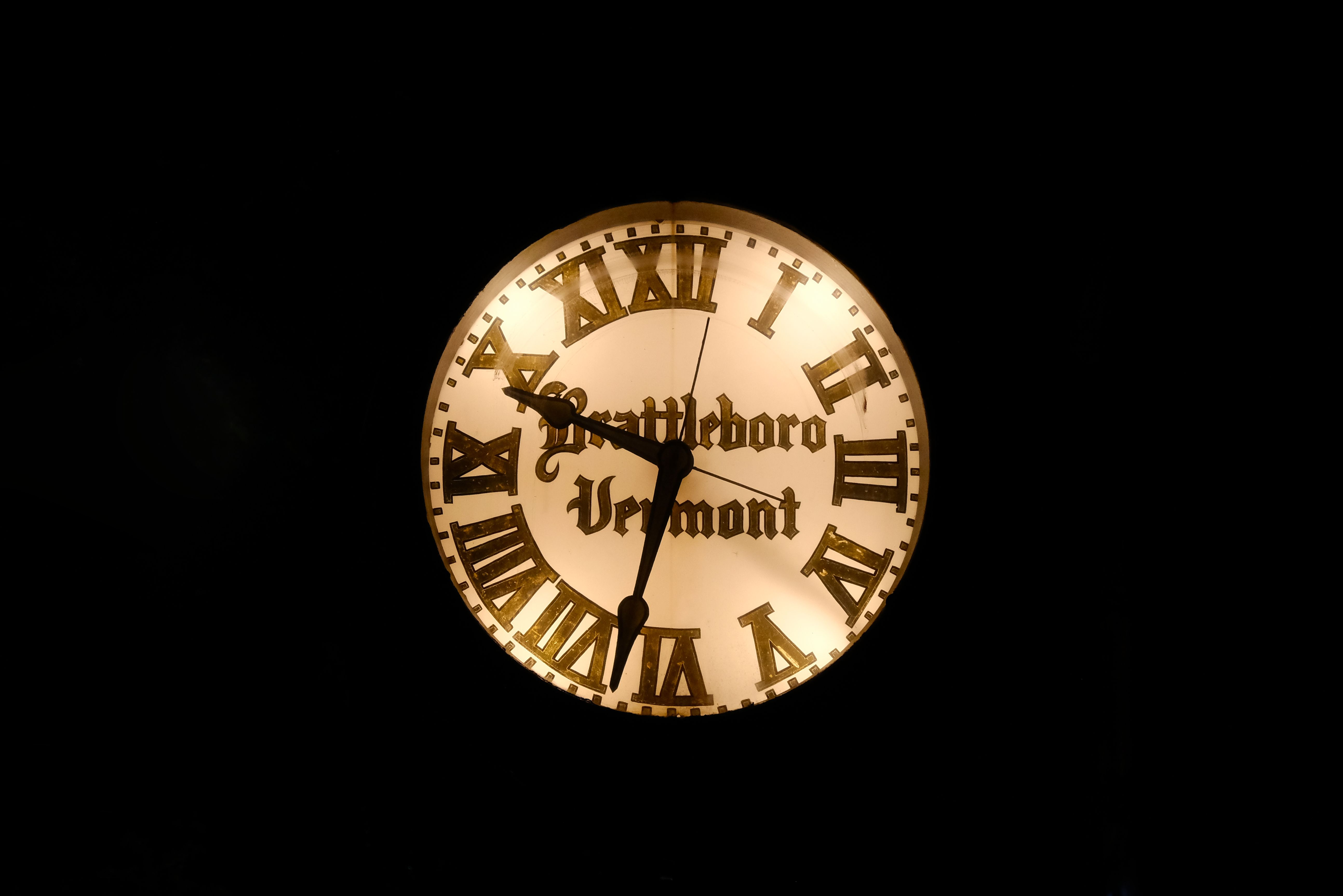 Le Chameau Bleu - Blog Voyage Brattleboro Vermont - Horloge de Brattleboro