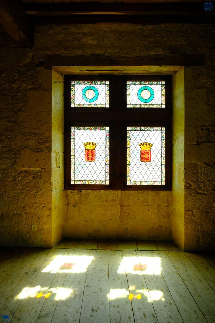 Le Chameau Bleu - Blog Voyage et Cuisine - Vitraux du château de Gramont - Tarn Et Garonne