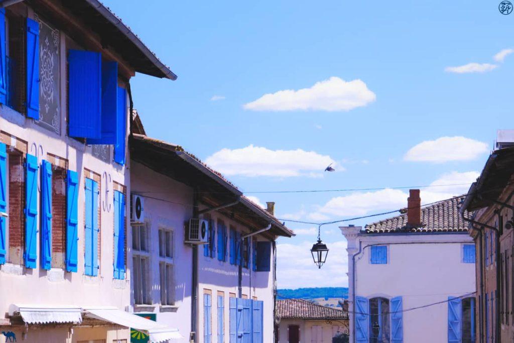 Le Chameau Bleu - Blog Voyage et Gastronomie -  Volets Bleus Beaumont de Lomagne - Tarn Et Garonne
