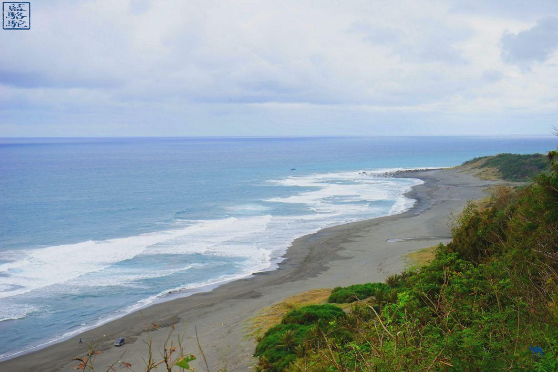 Le Chameau Bleu - Blog Voyage Taiwan - Plage de sable de noir de Jun Zen - Guide Taiwan