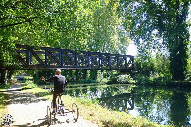 Camel Bleu - Bike Travel Blog al biplaza - Camineu a la vora del canal lateral de Garona